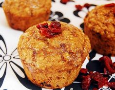 Muffins with cranberries and oatmeal – a small, delicious treat! (with ingredients)