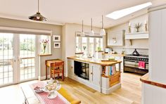 [ Open Plan Family Kitchen Diner Real Homes Free Units Provide Streamlined Look This ] - Best Free Home Design Idea & Inspiration Open Plan Kitchen Dining Living, Open Plan Kitchen Diner, Kitchen Layout, Kitchen Design, Kitchen Family Rooms, Living Room Kitchen, New Kitchen, Kitchen Ideas, Conservatory Kitchen