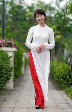 Những nữ sinh diện áo dài đẹp hơn cả Hoa hậu Mai Phương Thúy (P17) - Website của Trường Tiểu học Vĩnh Khê - Vĩnh Linh - Quảng Trị