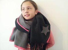 sjaal met franjeband suède verkrijgbaar bij www.bandenlint.nl Band, Fashion, Moda, Sash, Fashion Styles, Fashion Illustrations, Bands