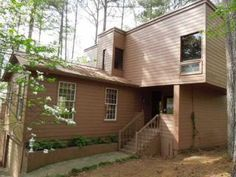 Are you a #modernhome lover? Click the image to see more information on this lovely 3 bedroom house in Marietta, GA! Freddie Mac home, just listed for ONLY $129,900!