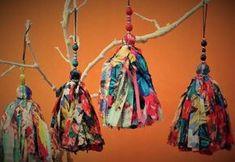 borlas decorativas de fibrana estampada Fiber Art, Garland, Diy Crafts, Drop Earrings, Sewing, Pendant, Pendants, Pot Holders, Free Market