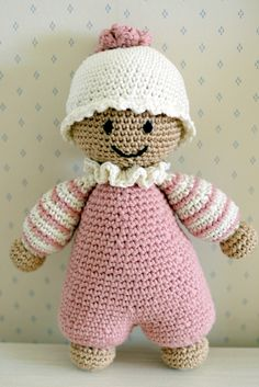 Cuddly-baby. Pattern by lilleliis.