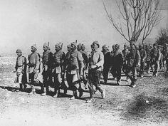 Genelkurmay arşivinden Çanakkale fotoğrafları Gallipoli Campaign, Turkish Soldiers, Ww1 Soldiers, Ottoman Turks, Cultural Identity, World War One, Ottoman Empire, Antalya, Victorious