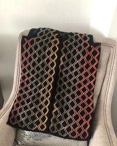 Pull Crochet, Free Crochet, Crochet Top, Crochet Cardigan, Crochet Fashion, Quinceanera Dresses, Gold Dress, Pulls, Tatting