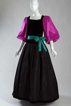 Fashion Institute of Technology - Yves Saint Laurent + Halston: Fashioning the 70s