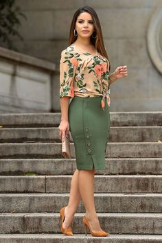 Classy Work Outfits, Office Outfits, Casual Dresses, Fashion Dresses, Dresses For Work, Elegant Outfit, Work Fashion, Fashion Fashion, Skirt Outfits