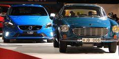 Het nyhet Volvo V40 R-design och designikonen P1800S på Stockholm Lifestyle Motorshow 24-27 januari 2013. #motorshow #bilutstallning #motormassa #bilmassa #volvolive #volvo #volvopersonbilarsverige #volvov40rdesign #volvov40 #volvop1800s