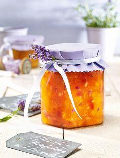 Pfirsich-Konfitüre mit Lavendel                              -                                  Eine fruchtige Pfirsichkonfitüre mit Lavendelduft zum Frühstück