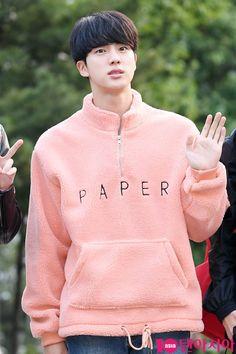 #방탄소년단 #koreanfashion #jin #bts #btsjin #koreanstyle #hotboys #koreanboys I love him <3