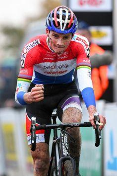 Mathieu Van der Poel wins Superprestige Gavere 2016 @tdwsport