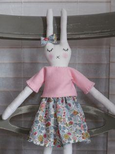 poupée bunny doll Miko Liberty Betsy