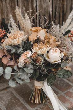 Wedding Beauty, Wedding Bride, Wedding Ceremony, Wedding Day, Orange Wedding, Wedding Tables, Autumn Wedding, Wedding Things, Rustic Wedding