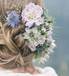 and romantic seasonal wedding hair flowers – beautiful alternatives to the flower crown Pretty flowers in hair if we are to do hair floral what will be a fav?Pretty flowers in hair if we are to do hair floral what will be a fav? Wedding Hair Flowers, Wedding Hair And Makeup, Flowers In Hair, Hair Makeup, Pretty Flowers, Wedding Pins, Hair Wedding, Fresh Flowers, Wedding Ideas