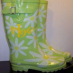vinyl monograms on rain boots !  So cute!