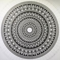 tattoo - mandala - art - design - line - henna - hand - back - sketch - doodle - girl - tat - tats - ink - inked - buddha - spirit - rose - symetric - etnic - inspired - design - sketch Design Art Drawing, Doodle Art Drawing, Mandala Drawing, Art Drawings, Mandala Doodle, Mandala Art Lesson, Mandala Artwork, Mandala Pattern, Zentangle Patterns