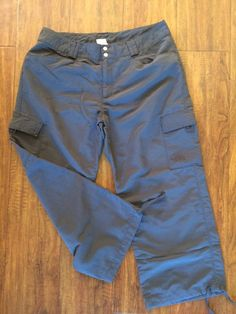 The North Face Women's Gray Nylon Cargo Outdoor Crop/Capri Pants Sz. 12 #TheNorthFace #CaprisCropped