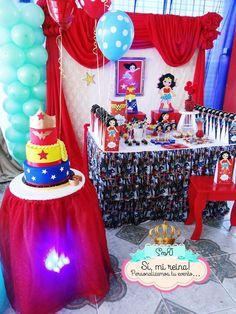 Si Mi Reina 's Birthday / Frozen Fever & Wonder Woman - Photo Gallery at Catch My Party Wonder Woman Birthday, Wonder Woman Party, Birthday Woman, Women Birthday, Girl Superhero Party, Superhero Birthday Cake, Farm Birthday, 6th Birthday Parties, Barbie Party