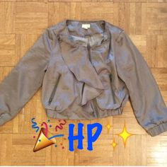 HPBlazer FREE w/$35+ purchase FREE W/$25+ PURCHASE   ➖STYLE:  length blazer that has a very unique ruffle design to it. There is a bit of a metallic gloss to the dark beige color  ➖Size: small  ➖condition: new  ➖brand : Ya Ya Jackets & Coats Blazers