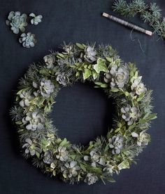 DIY: Make a beautiful door wreath with onions julkrans door wreath with onionsDIY: Make a beautiful door wreath with onions julkrans door wreath with Quick and easy Hanukkah simple DIY Hanukkah decorations BHG Diy Hanukkah, Hanukkah Decorations, Flower Decorations, Diy Christmas Garland, Diy Garland, Outdoor Christmas, Christmas Is Coming, Christmas Time, Bunting