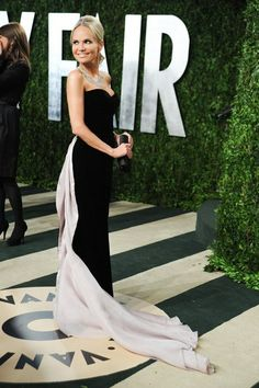 Kristin Chenoweth at the #VFOscars. After shamelessly flirting with/practically ovulating over poor/sexy/flattered Bradley Cooper.