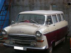 "custom Afalina (1962 GAZ-22 ""Volga"" + 1961 RAF-977В ""Latvia"")"