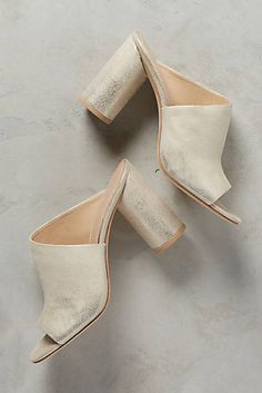 5e593cde14bf88 Pour La Victoire Helena Mules Fall Winter Shoes