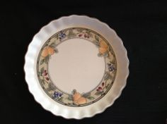 Mikasa Intaglio Quiche or  Flan Dish, lovely scalloped edge