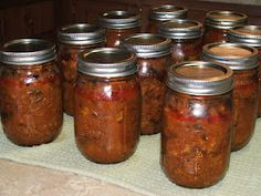 I would just raw pack the pork in this sauce. Raw packed pressure canned pork is delicious just by itself. Makes its own juices too. Canning Granny: Canning Pulled Pork Barbecue Canned Meat, Canned Food Storage, Canned Foods, Canning Tips, Home Canning, Canning Soup, Pressure Canning Recipes, Easy Canning, Canning Food Preservation