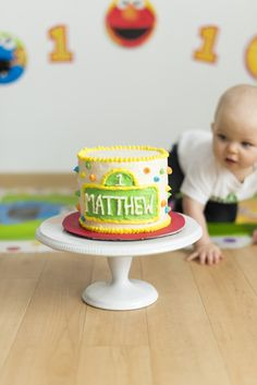 Sesame Street birthday cake would make such a great smash cake