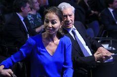 """Madrid.- """"Por fin he sabido que la palabra felicidad tiene nombre y apellido: Isabel Preysler"""", ha dicho el escritor Mario Vargas Llosa en el brindis de la cena con la que el premio nobel ha celebrado su ochenta cumpleaños acompañado por su pareja, (...)"""