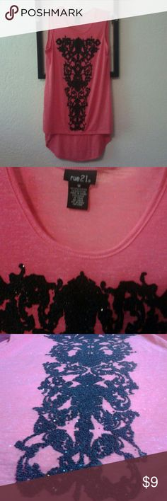 High-low Rue21 Tank Pink sleeveless blouse with black sparkle print. High-low tank. Never worn. Rue 21 Tops Tank Tops