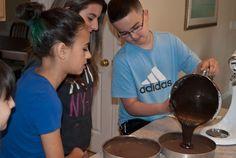 Nanny's Black Midnight Cake Dark Chocolate Cakes, Chocolate Desserts, Hot Chocolate, Chocolate Greek Yogurt, Layer Cake Recipes, Tiramisu Cake, Chiffon Cake, Culinary Arts, Family Meals