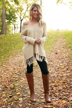 Snuggle up By The Fireside with this tasseled cutie! This sweater features fun knit details that are sure to make a statement! Curvy Outfits, Mom Outfits, Casual Fall Outfits, Fall Winter Outfits, Autumn Winter Fashion, Trendy Outfits, Christmas Outfits, Fashion Fashion, Fashion Ideas