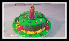 Le tuto gâteau Raiponce (Molly cake au chocolat ganache framboise) de Christelle du blog La cuisine de Poupoule