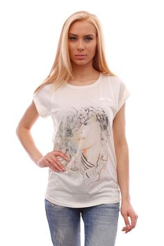 Women's white short-sleeved tee, fashionable loose t-shirt with stylish graphic #BrutalStreetLife #GraphicTee #streetwear #streetfashion #tees #tshirts #fashion #fashionista #fashionable #streetstyle