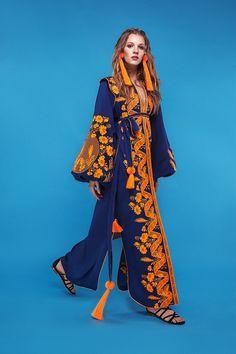 Yuliya Magdych Lace Caftan With Wings💔🍊💔 Abaya Fashion, Muslim Fashion, Fashion Outfits, Iranian Women Fashion, African Fashion, Colorful Fashion, Unique Fashion, Fashion 2020, Runway Fashion