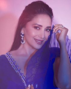 Beautiful Indian Actress, Beautiful Women, Madhuri Dixit Hot, Best Bollywood Movies, Show Dance, Casual Work Outfits, Timeless Beauty, Looking Gorgeous, Bollywood Actress