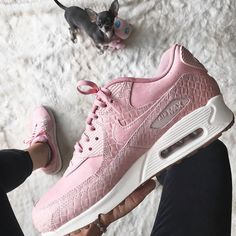Sneakers women - Nike Air Max 90 pink (©stellaglowing)
