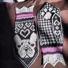 Ravelry: Handwarming Frenchies (French Bulldog Mittens) pattern by Jenny Alderbrant Mittens Pattern, Knit Mittens, Knitting Socks, Knit Socks, Crochet Chart, Knit Crochet, Crochet Patterns, Arne And Carlos, Pugs And Kisses