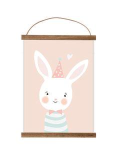 Illustration, gedruckt auf hochwertigem Karton. Ein süßer Hingucker im Kinderzimmer. Das Bild wird ohne Rahmen geliefert, jedoch passt es z.B. perfekt in den Rahmen von Ikea, RIBBA (30x40cm) für...