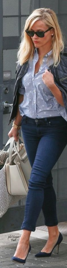 Reese Witherspoon - Street Style