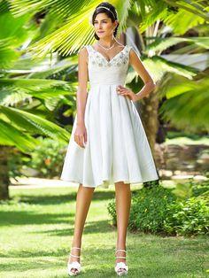 Lan Ting A-line/Princess Plus Sizes Wedding Dress - Ivory Knee-length V-neck Taffeta - USD $ 89.99