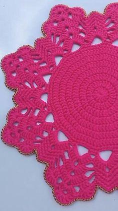 Crochet Placemats, Crochet Table Runner, Crochet Doilies, Crochet Flowers, Crochet Boot Cuffs, Crochet Boots, Knit Crochet, Crochet Stitches For Beginners, Crochet Videos