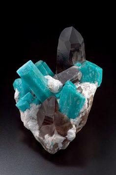 Amazonite and Smokey Quartz from Colorado, USA (specimen: Spirifer Minerals, photography: Joaquim Callén)