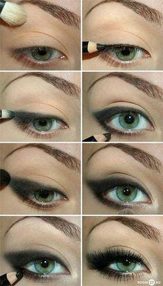 winged-eyeliner-with-pencil-eyeshadow-hacks