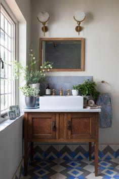 Bathroom Images, Wood Bathroom, Bathroom Flooring, Small Bathroom, Bathroom Ideas, Ikea Bathroom, Wood Flooring, Bathroom Designs, White Vessel Sink