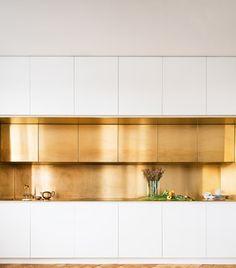 Taps and accessories in timeless Scandinavian design Kitchen Room Design, Modern Kitchen Design, Interior Design Kitchen, Kitchen Decor, Austin Homes, Cuisines Design, Kitchenette, Minimalist Interior, Door Design