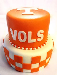 Tennessee Vols Cake Tennessee Girls, Tennessee Football, University Of Tennessee, Ut Football, Football Season, Fancy Cakes, Cute Cakes, Beautiful Cakes, Amazing Cakes