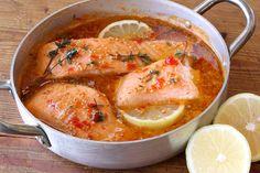 סלמון בתנור ברוטב צ'ילי מתוק (צילום: אסנת לסטר)